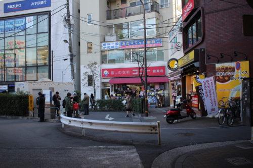綾瀬駅西口喫煙所