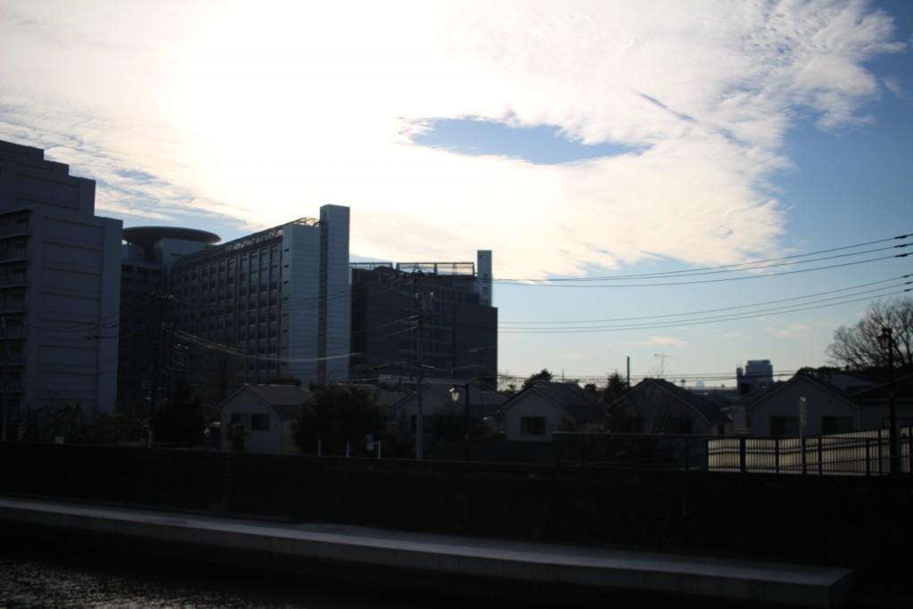 逆光の東京拘置所