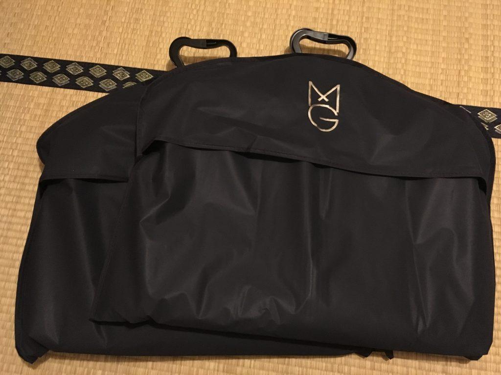 スーツのカバー