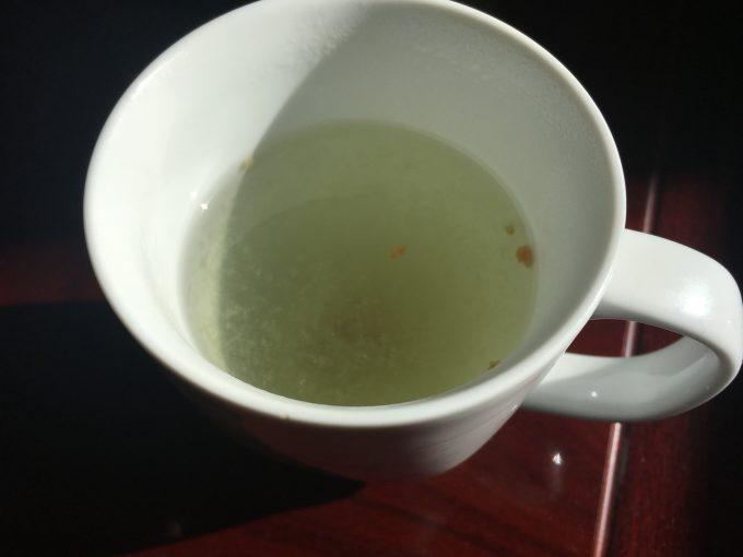 マグカップに梅昆布茶