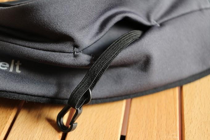 フック付きポケット