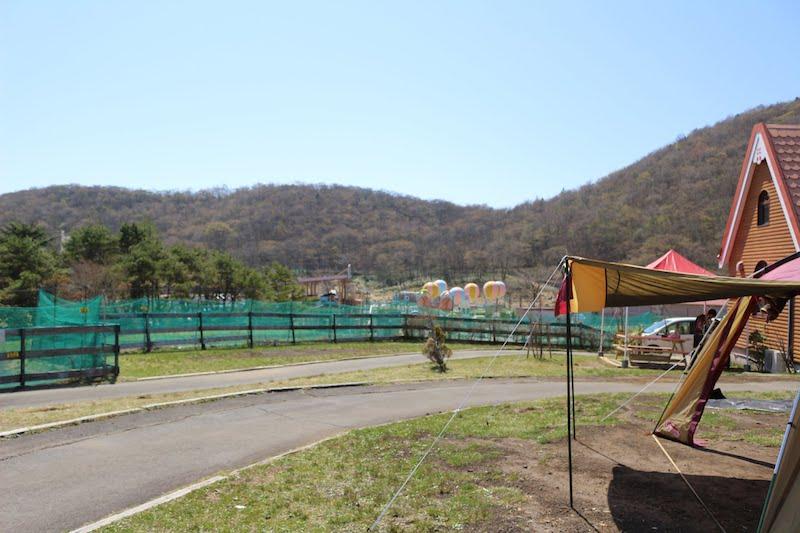 横の遊園地