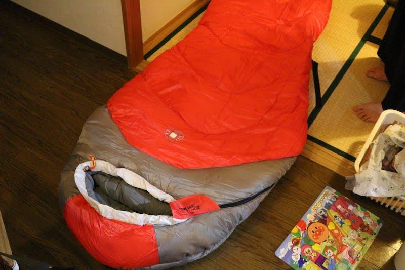 寝袋の厚さ