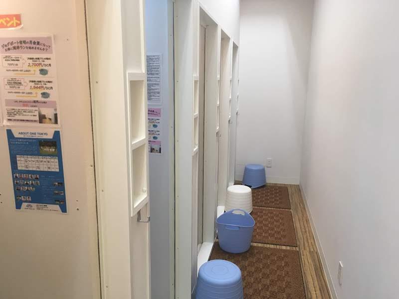 シャワールームは5つ