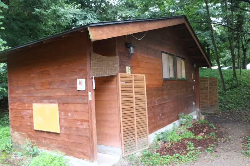 区画サイト側トイレ