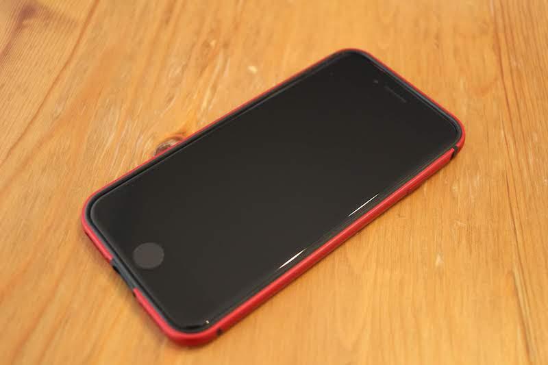 iPhone8バンパーRED